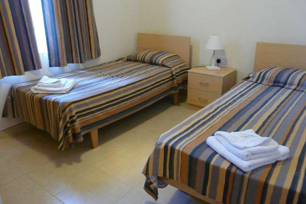 bedroom-standard-apartment-7132ae96