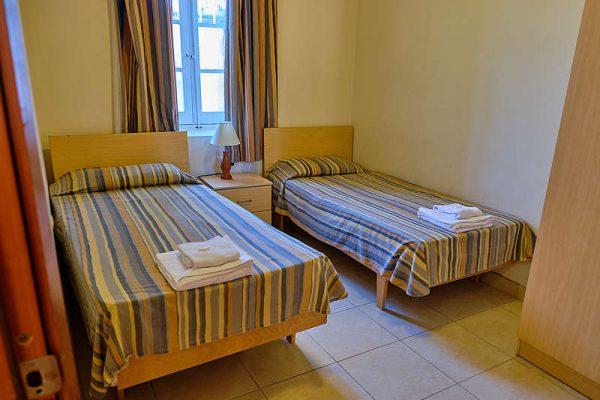 standard-apartment-twin-room-7c6e345f
